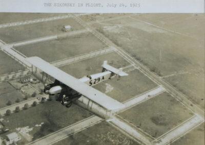 Sikorski flying on July 24, 1925